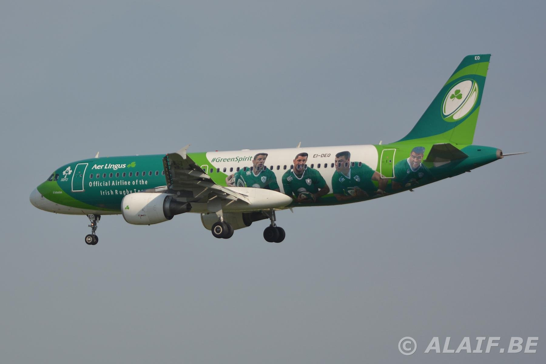 Aer Lingus Airbus A320 EI-DEO Official aircraft of the Irish rugby team.